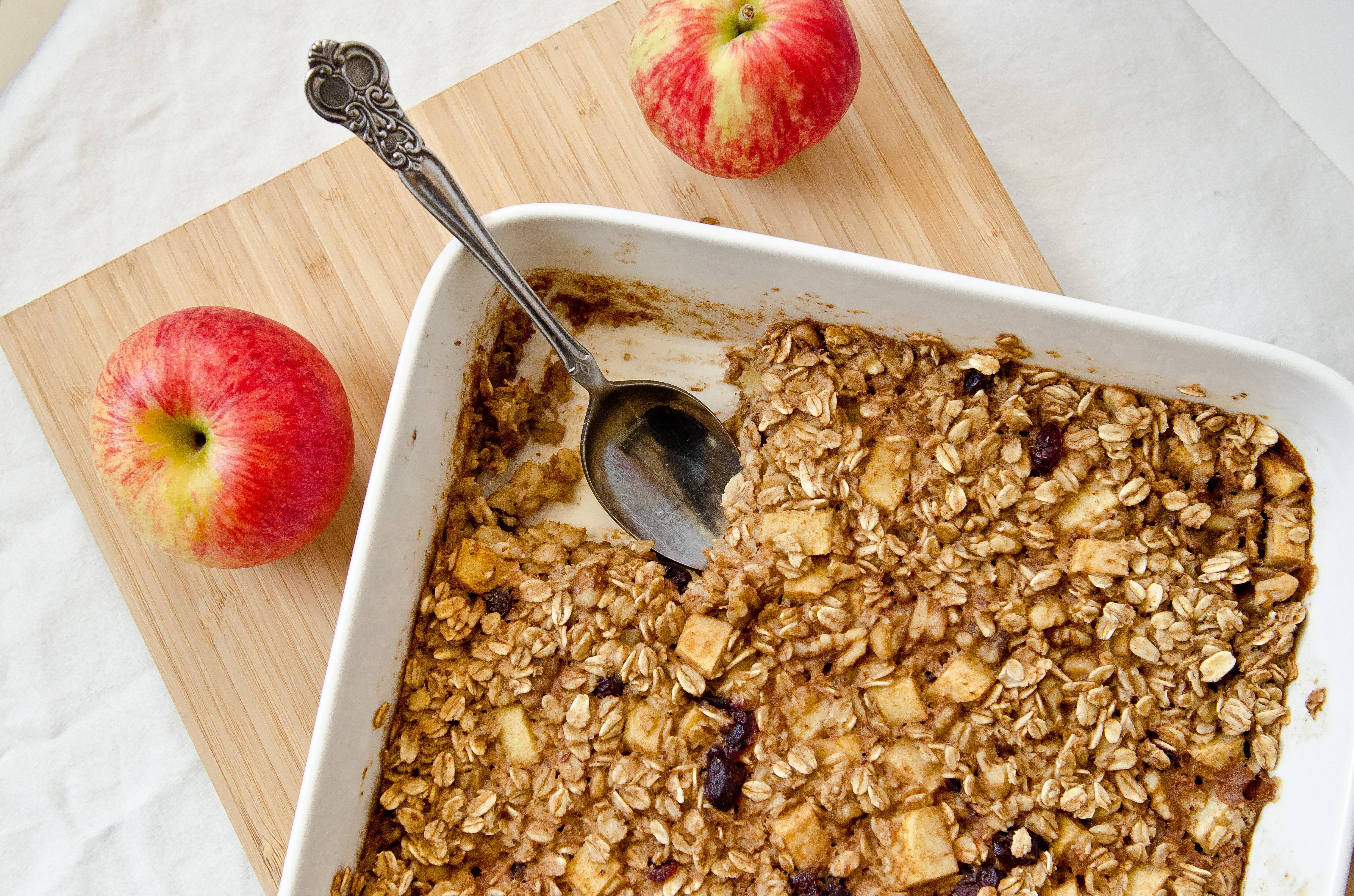 Vegan Apple Cinnamon Baked Oatmeal - The Fig Tree