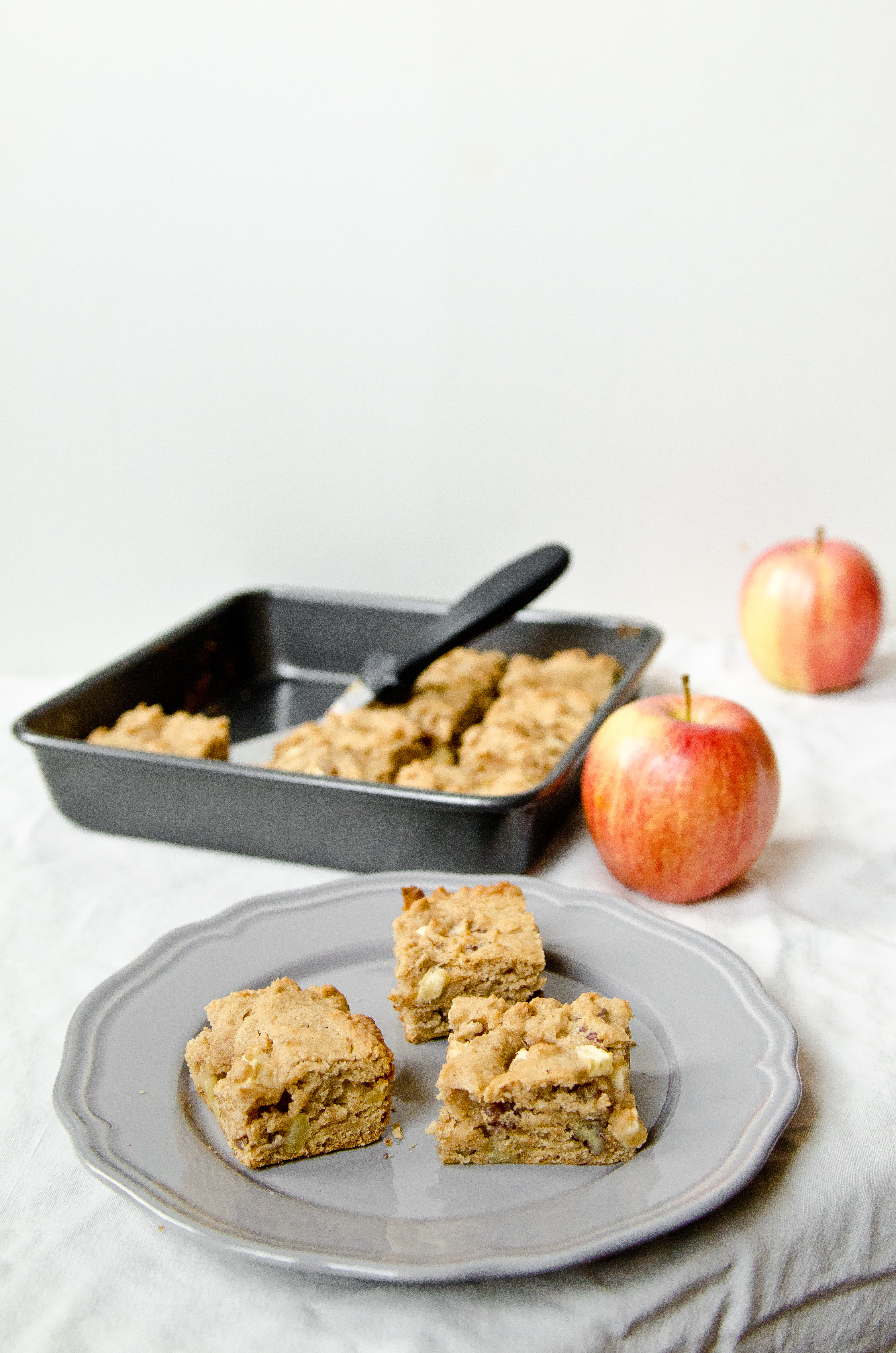 Apple Cinnamon Pecan Blondies - The Fig Tree